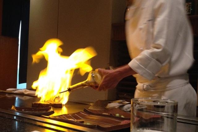 記念日・接待のお食事には神戸牛!鉄板焼きでおいしく味わえる名店なら【モーリヤ】へ