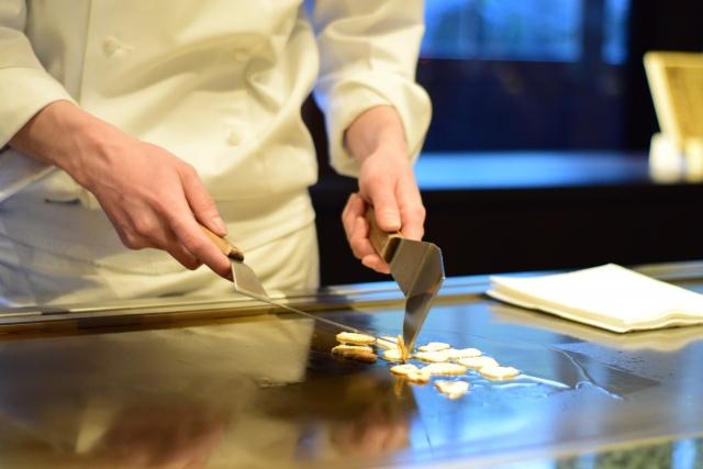 ステーキと鉄板焼きの違いについて