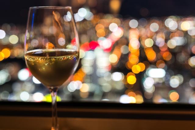 記念日にディナーを予約するならおいしい食事×夜景のコラボがおすすめ!