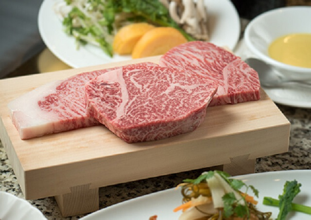 神戸でステーキを楽しむなら名店【モーリヤ】~厳選したおいしいお肉のみをご提供~