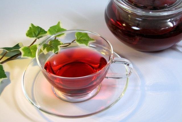 食後はコーヒーと紅茶のどちらがおすすめ?