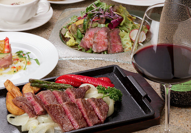 神戸でステーキディナーの予約をお考えの方は神戸牛専門店【モーリヤ】へ~厳選したおいしいお肉のみを提供~