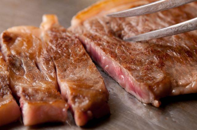 高級鉄板焼きステーキ